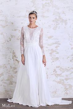 Lace and romantic wedding dress 1736, Mia Lavi 2017