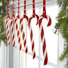 handgemachte-fensterdeko-zum-weihnachten- künstlerische Lutscher - 27 interessante Vorschläge für Fensterdeko