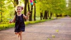Azi e Ziua Internațională a Fericirii, iar ștrumfii sunt ambasadorii fericirii în 2017