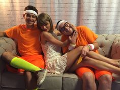 Taylor Swift with fans in Loft in Glendale,Arizona Taylor Swift Country, All About Taylor Swift, Taylor Swift Hot, Live Taylor, Taylor Swift Concert, Taylor Swift Album, Ethel Kennedy, She Is Gorgeous, Taylor Swift Pictures