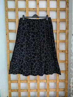 Gray Skirt, Denim Skirt, Midi Skirt, Corduroy, Size 16, Black And Grey, Skirts, Fashion, Moda