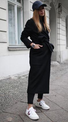 Die Skandinavier sind für ihren guten Stil in Sachen Mode und Design bekannt. Meist clean und elegant, unkompliziert, aber niemals zu simpel. Genau dieser Scandi-Stil spiegelt sich in den Accessoires und Interiorprodukten von Skagen Denmark wieder.Wir haben ein paar Stücke aus der neuen Holiday Collection in unserem persönlichen Skagen-Moment gestylt. Modisch gesehen lassen wir uns …