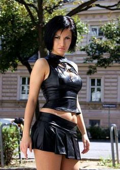 Bustiers, Sexy Outfits, Leather Bustier, Leather Skirts, Leder Outfits, Fashion Tights, Sexy Latex, Models, Sexy Hot Girls