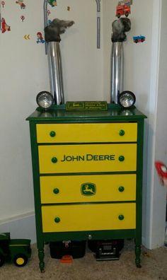 Homemade john deere dresser with working lights :) John Deere Bedroom, Tractor Bedroom, John Deere Boys Room, Bedroom Themes, Kids Bedroom, Bedroom Decor, Bedroom Ideas, John Deere Crafts, John Deere Decor