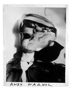 Andy Warhol - Shot by photographer Weegee (Arthur Fellig) in Andy Warhol, Distortion Photography, Art Photography, Weegee Photography, Pop Art, Photo Star, Le Clown, Portraits, Glitch Art