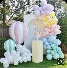 Happy First Birthday, Pig Birthday, Daughter Birthday, First Birthdays, Birthday Parties, Elegant Birthday Party, Themed Parties, Birthday Balloon Decorations, Baby Shower Decorations
