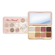 Faced Holiday 2018 Makeup Collection: See Every Product Here Too Faced Holiday 2018 Sugar Cookie PaletteToo Faced Holiday 2018 Sugar Cookie Palette Too Faced Eyeshadow, Too Faced Makeup, Colourpop Eyeshadow, Christmas Makeup, Holiday Makeup, Cute Makeup, Gorgeous Makeup, Makeup Set, Perfect Makeup