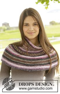 """Canyon Rose - Knitted DROPS neck warmer in garter st and seed st in """"Big Delight"""". - Free pattern by DROPS Design"""