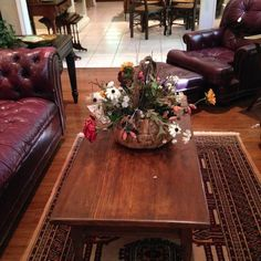 Sturdy rectangular coffee table; 4 feet x 6 feet rug  New Divide & Conquer sale starting this Thursday April 20-April 22, 2017 check out the details here:  http://divideandconquerofeasttexas.com/nextsales.php  #estatesales #consignments #consignment #tyler #tylertx #tylertexas #organizing #organizers #professionalorganizer #professionalorganizers #movingsale #movingsales #moving #sale #divideandconquer #divideandconquerofeasttexas #divideandconquereasttexas #marthadunlap #martha #dunlap