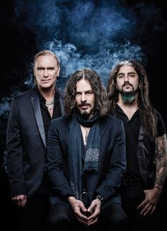 The HOT STREAK will continue this fall for THE WINERY DOGS (Richie Kotzen-lead vocals/guitar, Mike Portnoy-drums, Billy Sheehan-bass). Their second appropriately titled, self-produced studio album, HOT STREAK, is set for release October 2 on Loud & Proud Records via RED (a division of Sony Musi