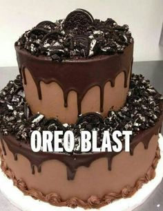 Oreo -- chocolate grooms cake--maybe w/crushed PB cups instead of Oreos. Love the dripping ganache. Pretty Cakes, Beautiful Cakes, Amazing Cakes, Oreo Wedding Cake, Chocolate Grooms Cake, Chocolate Wedding Cakes, Chocolate Fudge, Bolos Naked Cake, Drip Cakes