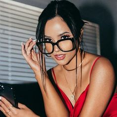 Becky G Style, Style Feminin, Marie Gomez, Female Stars, Girl Photo Poses, Girls With Glasses, Celebs, Celebrities, Lady In Red