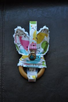Spring Birds Wooden Organic Teething by SpoonerSistersDesign, $30.00 Spring Birds, Teething, Organic, Gift Ideas, Toys, Unique Jewelry, Handmade Gifts, Vintage, Activity Toys