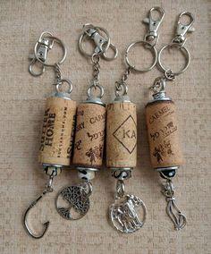 Souvenir bottle crafts Wine Cork Keychain With Murano Beads Wine Craft, Wine Cork Crafts, Wine Bottle Crafts, Wine Cork Jewelry, Wine Cork Art, Wine Cork Ornaments, Snowman Ornaments, Wine Cork Projects, Wine Bottle Corks