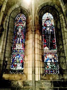 Vidrieras de la real Colegiata de Roncesvalles. Iglesia de Nuestra Señora La Real. Stained glass Roncesvalles Royal Collegiate. Church of Our Lady La Real