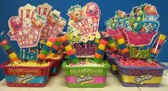 Shopkins centerpieces for my daughter Itzel party. Shopping baskets.