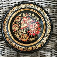 Russian Folk Art, Russian Painting, Decoupage, Decorative Plates, Tableware, Artist, Image, Dinnerware, Dishes
