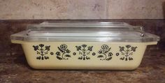 Vintage Pyrex Embroidery 575 B Space Saver Lid Yellow Black Needlepoint NICE #Pyrex