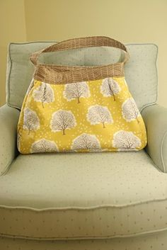 DIY Diaper Bag - Who wants to make this for me???  :)