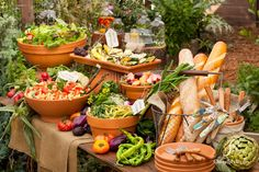 Buffet table with garden pots bird/garden party шведский стол, кейтеринг и Buffet Chic, Buffet Set, Styling A Buffet, Buffet Tables, Food Buffet, Buffet Recipes, Salad Buffet, Rustic Buffet, Brunch Buffet