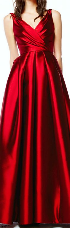 Reem Acra ● Pre-Fall 2014 red satin evening gown