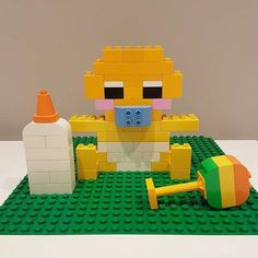 build ideas and build example cards - Mamaliefde.nl - Building with Duplo; 93 examples and inspiration for toddlers and preschoolers – Mamaliefde. Lego Duplo, Lego Ornaments, Lego Studios, Lego Therapy, Lego Baby, Lego Books, Lego Challenge, Lego Craft, Lego Games