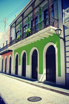Shopping Old San Juan
