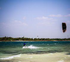 KiteSurf - Lagoa Paraiso - Jericoacoara - Ceará - Brazil.  Kite: F-One Bandit 3 8mts