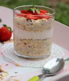 Enjoy your breakfast with fresh homemade overnight oats from @cabicik_muesli .. Soo yummy!!  . For order please SMS/ WA: 0877.8267.3086