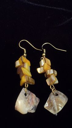 Fun and Stunning shell earrings : http://www.outbid.com/auctions/15299-flippin-funtastic-friday-southern-xen-designs-and-friends#38