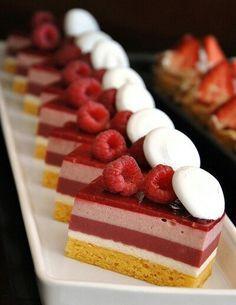 rasberry mouse cake