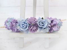 This flower crown is inspired by the colors of blue and purple hydrangeas. >>>>>>>>>>>>>>>>>>>>>>>>>>>>>>>>  Mulberry paper flowers wire stem are tied