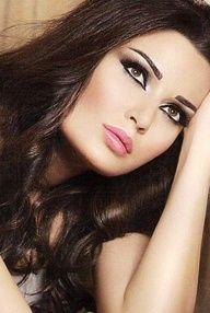 cyrine abdelnour - ❤️ the make up Arabian Makeup, Arabian Beauty, Indian Bridal Makeup, Bridal Makeup Looks, Instyle Fashion, Arabian Women, Make Up Braut, Indian Bridal Hairstyles, Wedding Day Makeup