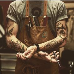 The Most Popular Haircuts For Men That Will Make Your Hair Stand Out! See the latest cool men's haircuts: short, medium, long hairstyles trends. Tattoos Masculinas, Trendy Tattoos, Tattoos For Guys, Cool Mens Haircuts, Popular Haircuts, Cool Hairstyles, Barber Shop Pictures, Old School Barber Shop, Barber Tattoo