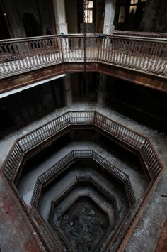 25 Stunning Pictures Of Abandoned Places