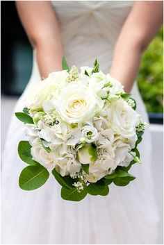 white bridal bouquet  | Image by Riviera Wedding Photography, http://www.frenchweddingstyle.com/luxury-wedding-monaco/