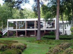 The Homewood -one of the first British modernist movement houses (circa 1937). One of my favourite houses