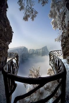 Tianmen Mountain National Park, Zhangjiajie, Northwestern Hunan Province, China http://exploretraveler.com
