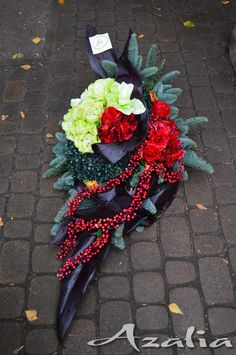 Funeral Floral Arrangements, Church Flower Arrangements, Christmas Floral Arrangements, Ikebana Arrangements, Grave Decorations, Christmas Door Decorations, Flower Decorations, Grave Flowers, Funeral Flowers