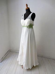 Hochzeitskleid mit langem und kurzem Rock White Dress, Rock, Formal Dresses, Fashion, Short Skirts, Dresses For Formal, Moda, Formal Gowns, Fashion Styles