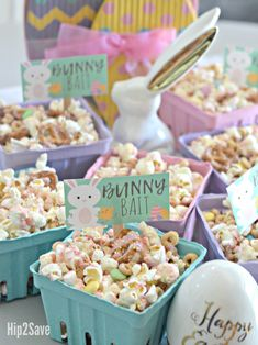 Bunny bait easter popcorn snack 17 unbelievably cute easter party foods for your brunch or egg hunt Easter Birthday Party, Birthday Snacks, Easter Snacks, Bunny Birthday, Easter Brunch, Easter Treats, 1st Birthday Parties, Easter Recipes, 2nd Birthday