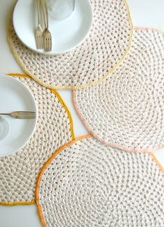 Whit's Knits: Granny Circle Placemats - The Purl Bee - Knitting Crochet Sewing Embroidery Crafts Patterns and Ideas!