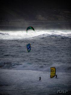 Kitesurf en playa de Las Canteras by PePaP.deviantart.com on @deviantART