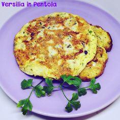 """Nel libro """"La Cucina di Versilia e Garfagnana"""" si presentano anche ricette di ristoranti che erano popolari ai tempi della pubblicazione. Uno di questi era Da Coppo a Pontestrada (Pietrasanta) e questa era la loro Frittata di Muscoli!"""