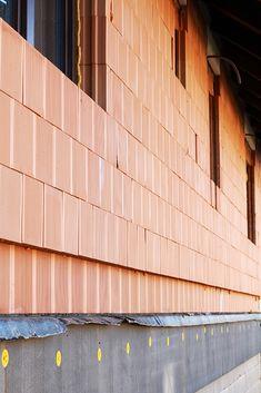 Hrubé stavby - zednictví a řemeslné práce Garage Doors, Outdoor Decor, Home Decor, Decoration Home, Room Decor, Home Interior Design, Carriage Doors, Home Decoration, Interior Design