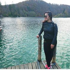 Plitvice uopšte nisu bezazlene ako zakasnite na vožnju  pa morate pješice u obilazak  Ali su definitivno #breathtaking  __________________________________________ #naturephotography #nationalpark  #croatia #traveling #plitvicelakes #croatiafulloflife #amazing #places #nature #placestovisit #inlovee #bosnian #bosniangirl #trulymadlydeeply #lovethisplace