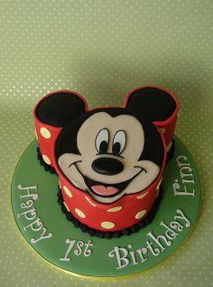 Possible Smash Cake Mickey Mouse Birthday Cake (by RubyteaCakes) Mickey And Minnie Cake, Mickey Mouse Birthday Cake, Disney Birthday, Birthday Fun, Birthday Ideas, Birthday Board, Birthday Decorations, Disney Themed Cakes, Disney Cakes