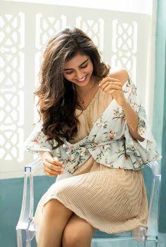 Kalyani Priyadarshan insta naugty actress cute and hot and bollywood item Indian model unseen latest very beautiful and sexy wedding selfie . Beautiful Models, Most Beautiful Women, Beautiful Actresses, Hello Photo, Photoshoot Pics, Malayalam Actress, Tamil Actress Photos, Indian Models, Movie Photo