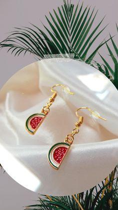 Jewelry Ideas, Etsy, Tableware, Earrings, Room Accessories, Handmade Accessories, Handmade Beaded Jewelry, Handmade Gifts, Slip On