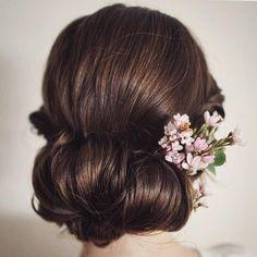 Chignon Wedding Hairstyle | fabmood.com #weddinghair #bridalhair #hairstyle #updo #chignon #chignonhair #upstyle #braidupdo #hairstyleideas #hairstyles #bridalhairstyle #weddinghairstyles